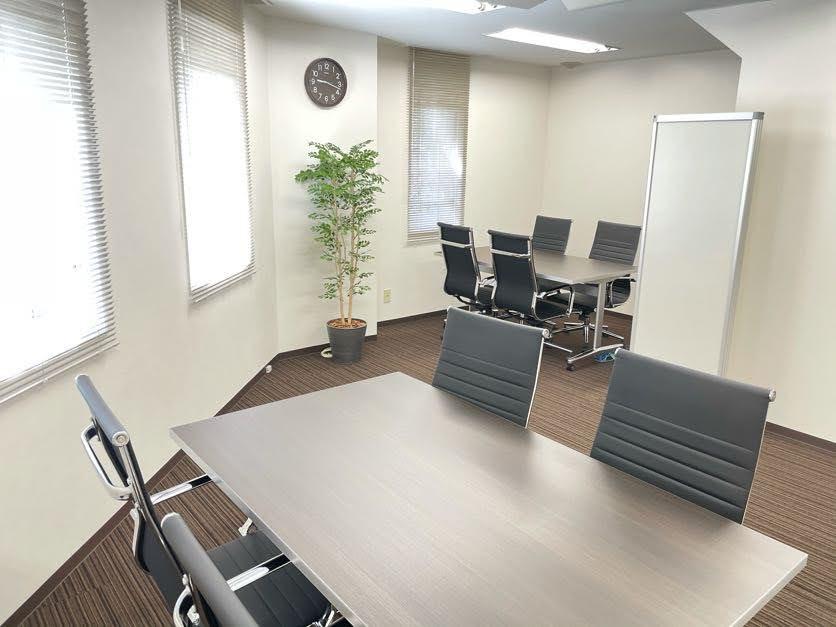東京都江東区 オフィス工事 タイルカーペット オフィス家具
